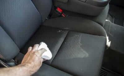 Vệ sinh ghế ô tô nỉ