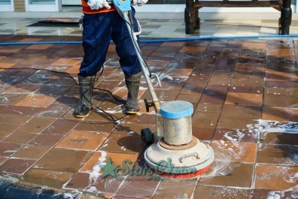 Máy trà sàn - Máy không thể thiếu trong quy trình vệ sinh công nghiệp