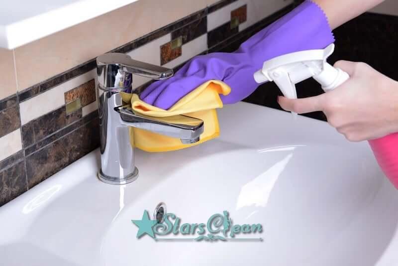 cách khử mùi khai nước tiểu trong phòng