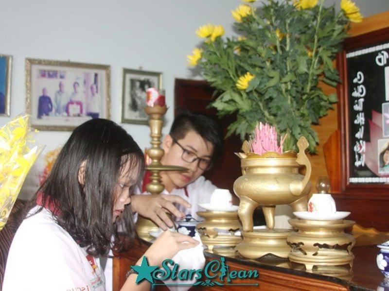 cách lau dọn bàn thờ
