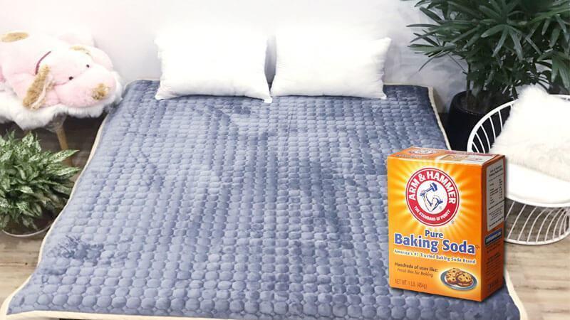 Sử dụng baking soda làm sạch hiệu quả thảm trải giường