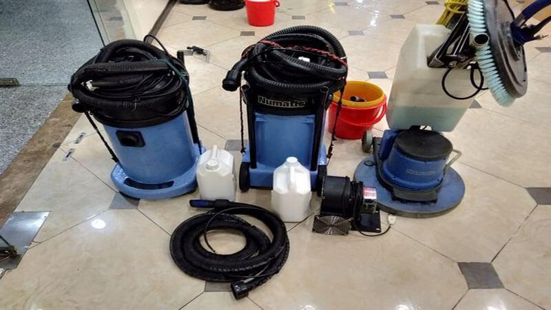 Máy giặt thảm và hóa chất chuyên dụng