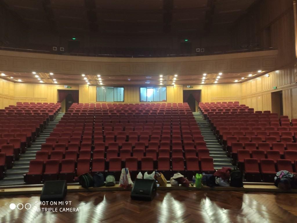Vệ sinh công nghiệp nhà hát lớn quân đội số 130 Hồ Tùng Mậu-ảnh 1