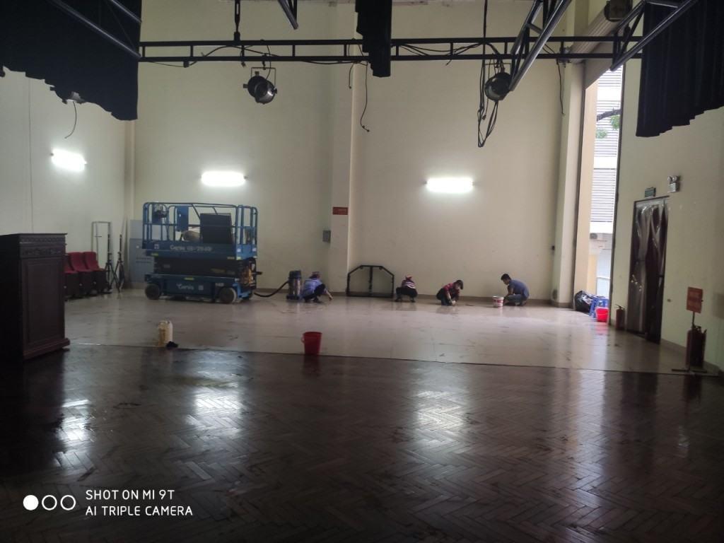 Vệ sinh công nghiệp nhà hát lớn quân đội số 130 Hồ Tùng Mậu-ảnh 2